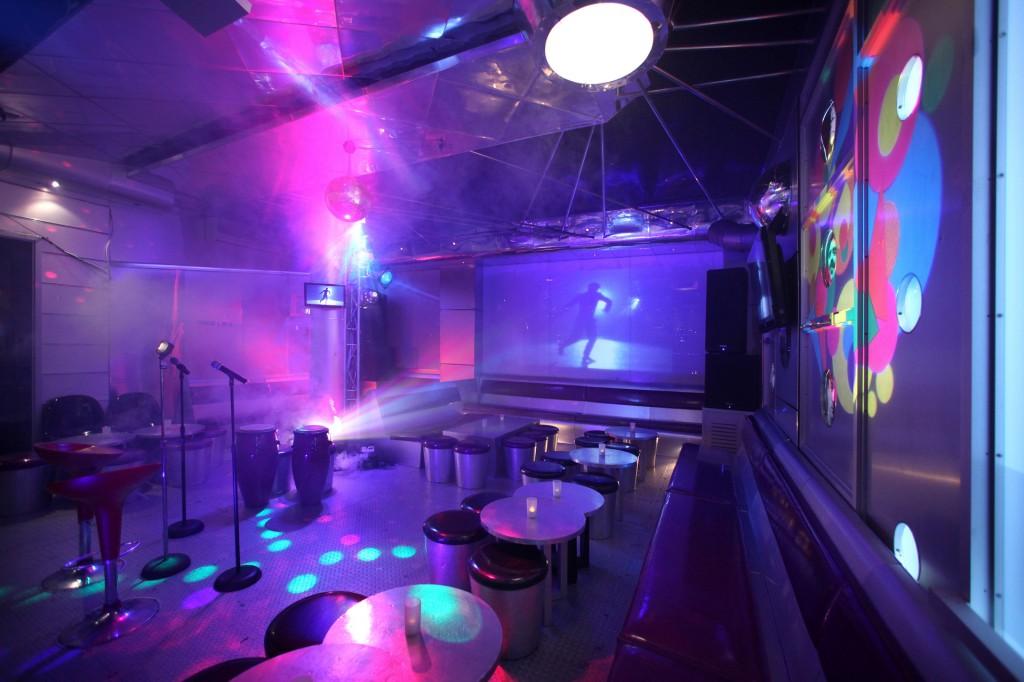 Thiết kế phòng karaoke phong cách Bar Mini
